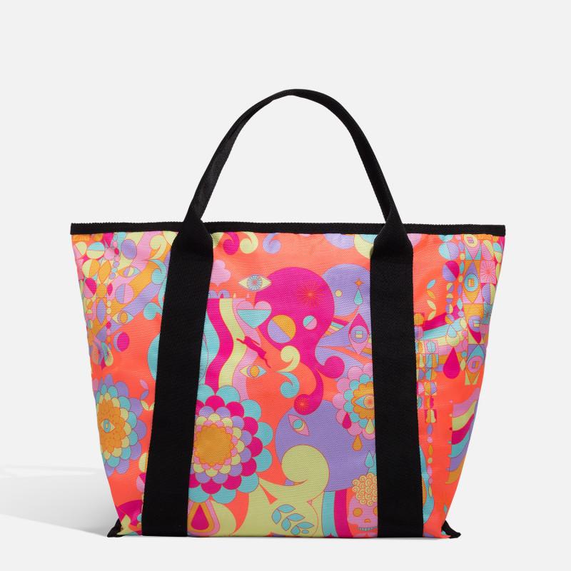 amika: signature tote bag..